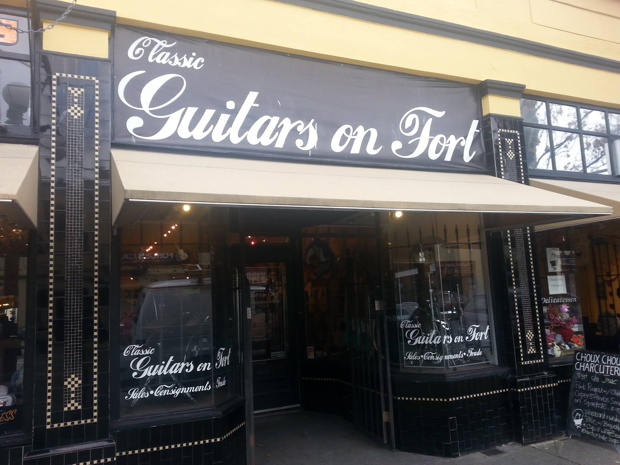 Classic Guitars on Fort